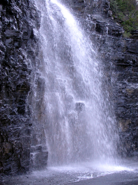 Glacier_National_Park_Waterfall_2024