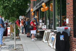 sidewalk_sale2